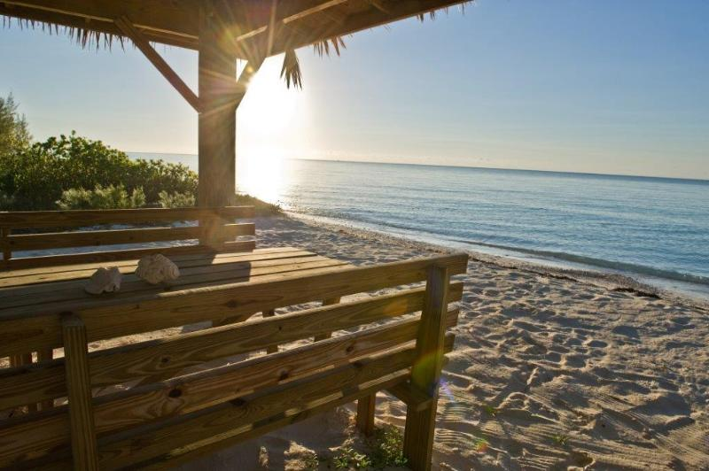 Sunsets - Luxury Beachfront 5 BR on Grand Bahama, Car Incl. - Grand Bahama - rentals