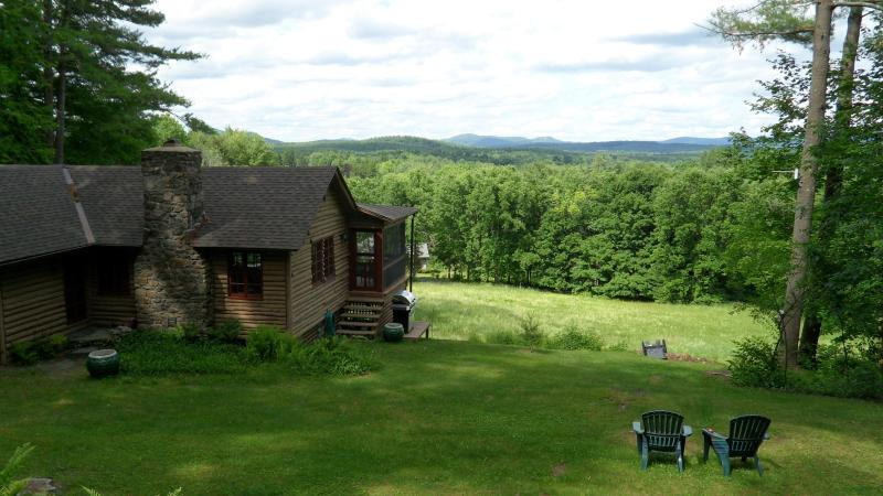 View - 1940's Cabin with fantastic 180o  mountain views!! - Great Barrington - rentals