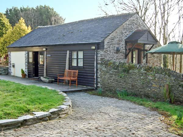 LYNHER COTTAGE, romantic, character holiday cottage, with a garden in Hatt, Ref 11437 - Image 1 - Saltash - rentals