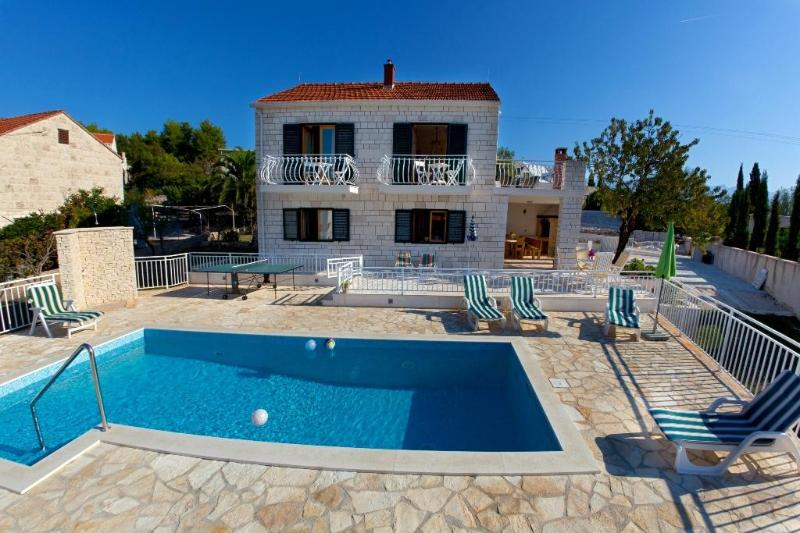Villa with private pool and sea views - Image 1 - Selce - rentals