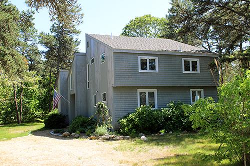 1059 - BEACH, THE HARBOR & GREAT SHOPPING/DINING EQUIDISTANT! - Image 1 - Edgartown - rentals
