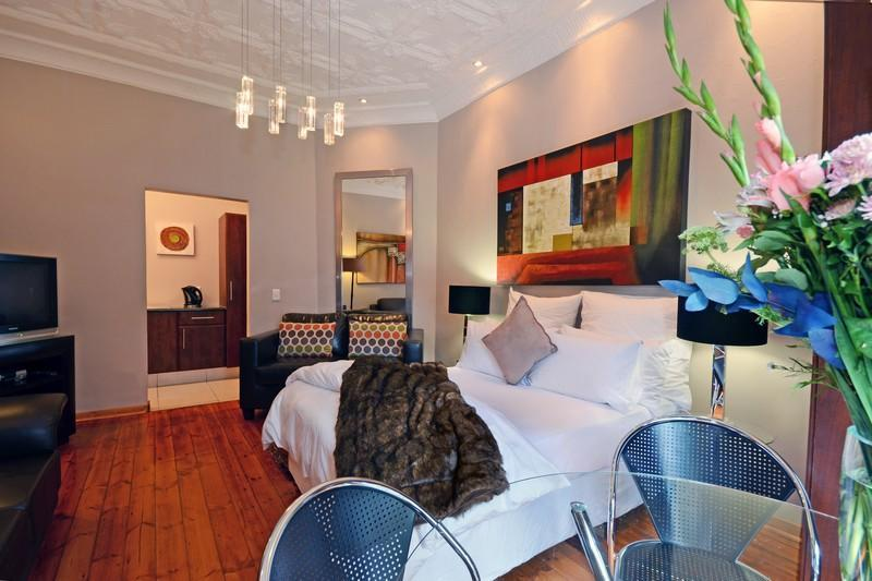 Interior Room 2 with double bed - Saffron Guest House Melville - Johannesburg - rentals