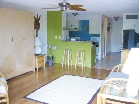 Studio living area - Beautiful Lahaina Shores Studio with Mountain View - Lahaina - rentals