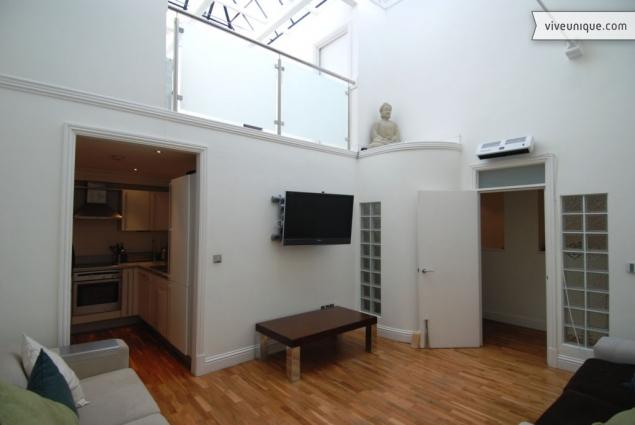 The Clock House Apartment, Bromley - Image 1 - London - rentals