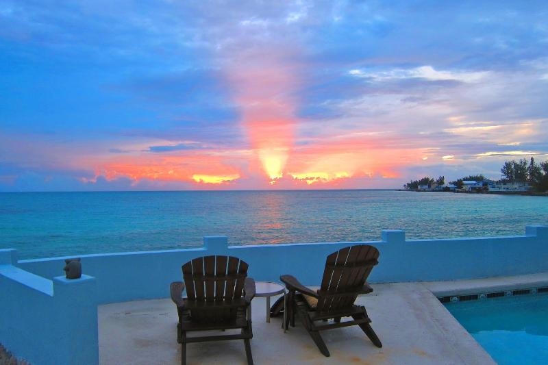 Morning at Water's Edge with that terrific ocean view - LUXURY OCEAN/PRIVATE NEW FRESH WATER POOL - Nassau - rentals