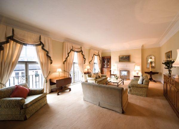 Typical living room in apartments - South Kensington Mansions 4 Bedroom Apart-Hotel - London - rentals