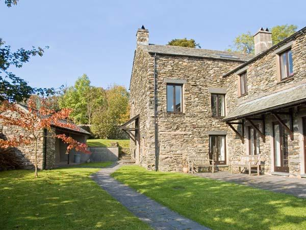 HELM LUNE, family friendly, character holiday cottage, with open fire in Bowness & Windermere, Ref12923 - Image 1 - Bowness & Windermere - rentals