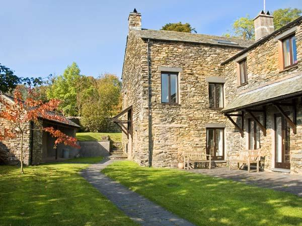 HELM EDEN, family friendly, country holiday cottage, with open fire in Bowness & Windermere, Ref 12913 - Image 1 - Bowness & Windermere - rentals