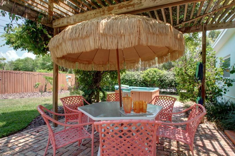Patio/BBQ/Spa area - November Sale Only $999! -30 sec to beach Great rates! - Clearwater - rentals