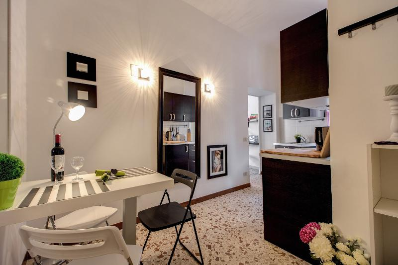 Delicious Apartment in Campo dei Fiori area - Image 1 - Rome - rentals
