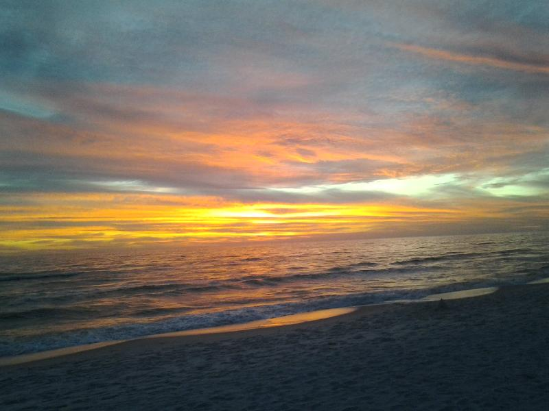 Sunset - Boat Lovers-GreatCondo,Great Value 3min Beach walk - Panama City Beach - rentals