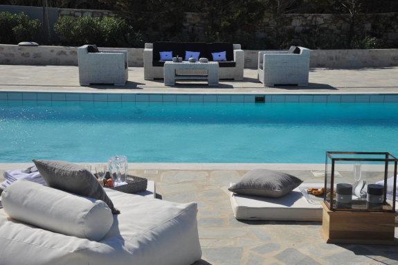 4 bedroom luxury Santa Maria beach villa - Image 1 - Naoussa - rentals