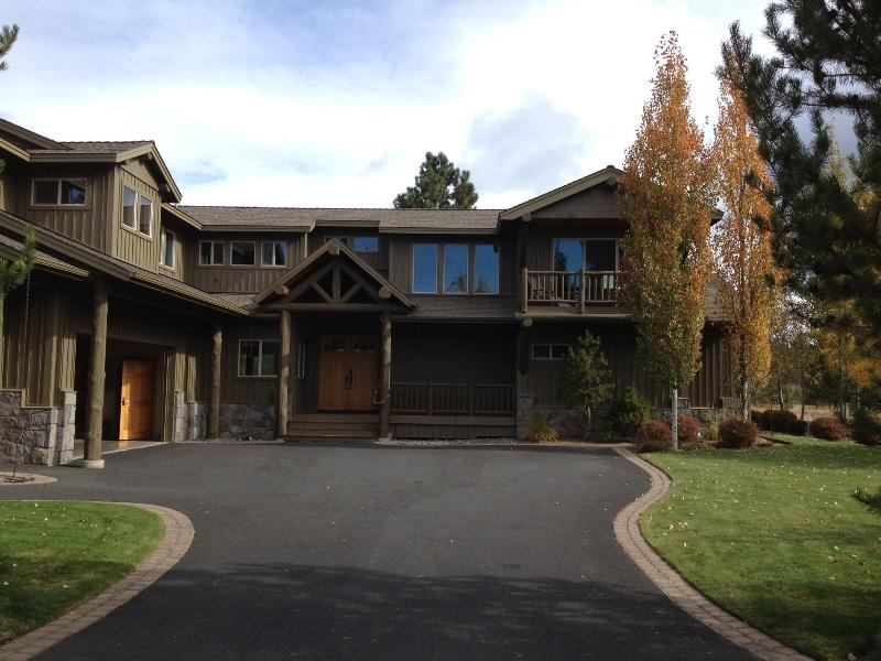 Exterior of home from Winners Circle - 34 Winners Circle Luxury Lodge on Golf Course - Sunriver - rentals