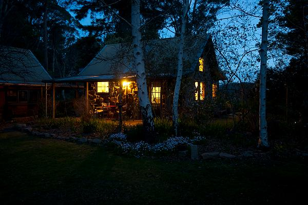 Garden Cottage - twilight - Garden Cottage, Stanley near Beechworth Victoria - Beechworth - rentals