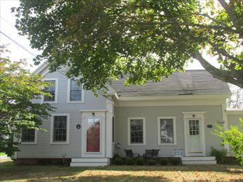 Front of house - Chatham Vacation Rental (106000) - Chatham - rentals