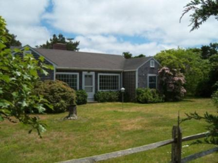 3 Bedroom 2 Bathroom Vacation Rental in Nantucket that sleeps 6 -(10126) - Image 1 - United States - rentals