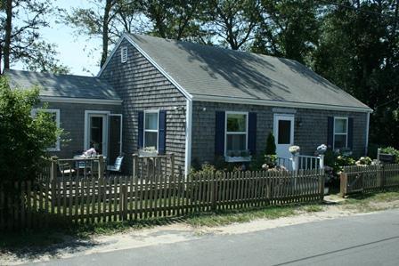 2 Bedroom 2 Bathroom Vacation Rental in Nantucket that sleeps 4 -(10121) - Image 1 - Nantucket - rentals