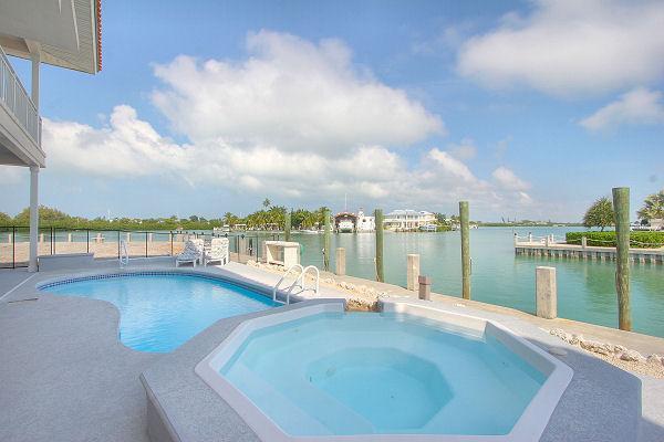 Swimming Pool and Spa - Key Colony Executive Rental - Views, Pool, Dock - Key Colony Beach - rentals