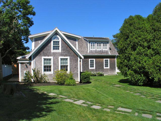 In-Town Waterview Cottage! (In-Town-Waterview-Cottage!-ED348) - Image 1 - Edgartown - rentals
