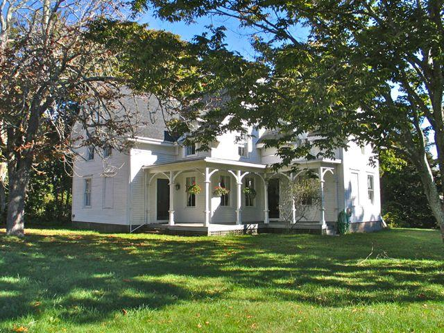 Captain's House In West Tisbury! (302) - Image 1 - Massachusetts - rentals