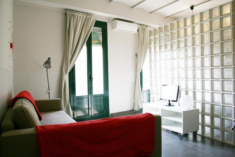 Cozy apartment near Sagrada Familia - Image 1 - Barcelona - rentals