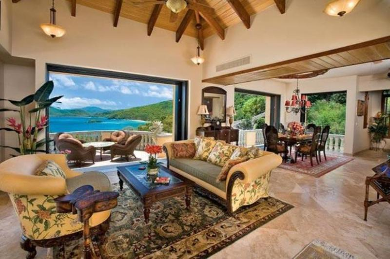 Living area/ Lanai - Dining  Area  open air or closed 11 ft glass sliding doors - Peter Bay Beach,St. John, Delfina - Saint John - rentals