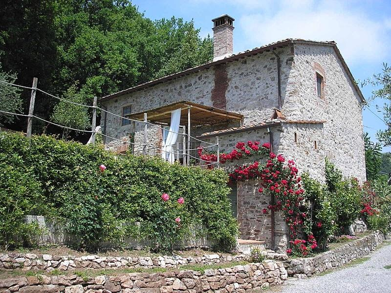 Tuscan farmhouse with a private pool - Casa Accogliente - Image 1 - San Martino in Freddana - rentals
