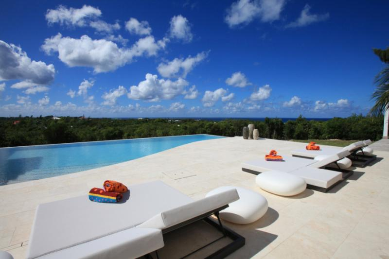 Villa Agora... Terres Basses, St Martin 800 480 8555 - AGORA... gorgeous very unique luxury villa in Terres Basses.  Perfect couples villa! - Terres Basses - rentals