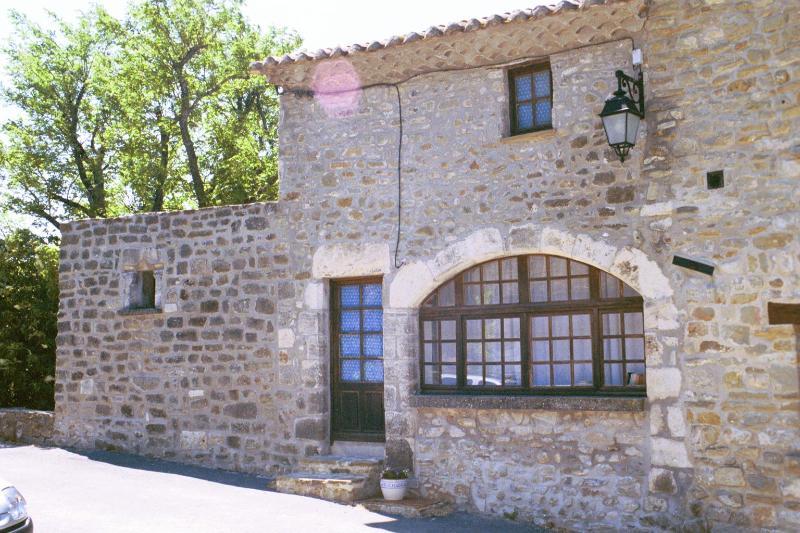 entrance to 'Petite Maison' - Provencal hilltop village, 3 bdrm home - La Begude-de-Mazenc - rentals