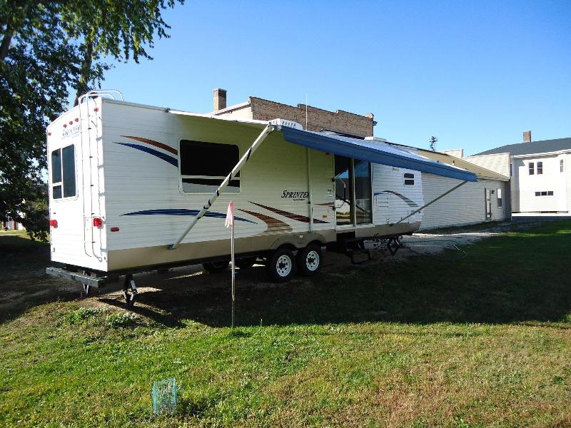 Camper - $50/1br-33' Camper-Lake Winnebago Vacation Rental - Hilbert - rentals