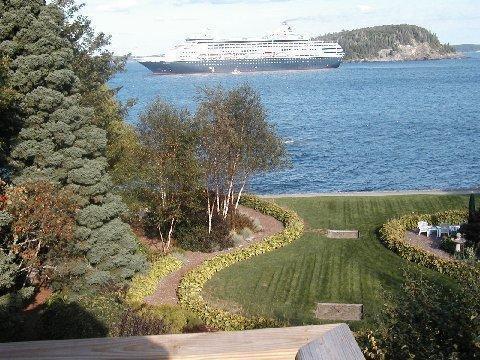 """DEVILSTONE"" gardens, Shorepath, and ocean views from balcony. - Bar Harbor Shorepath Estate Walk To Cafes, Movies! - Bar Harbor - rentals"