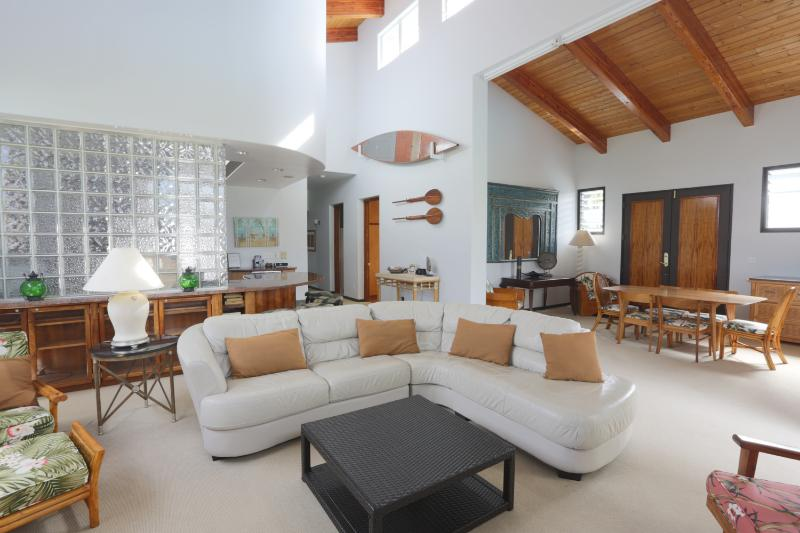 Cozy Seating in the Living area - Private, spacious, full of amenities! Weekly rates - Kailua - rentals