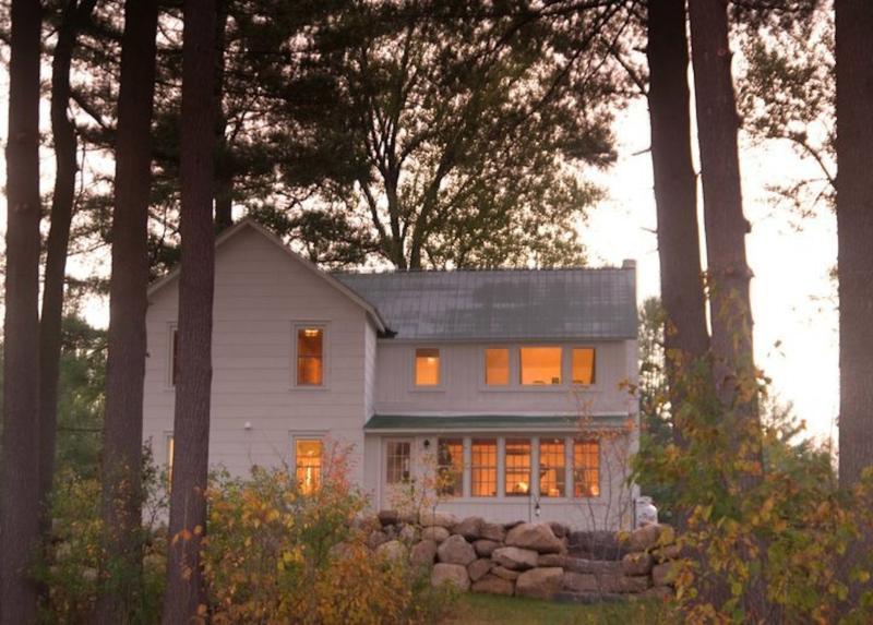 Farmhouse Lakeside - 1800's Lakefront Farmhouse with Gorgeous Views - Wells - rentals