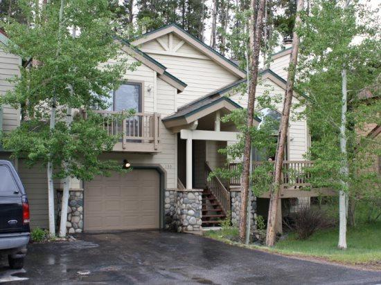 Amazing Rates for this 3-Bedroom 3-Bath House in Downtown Breckenridge - Sleeps 10! - Image 1 - Breckenridge - rentals