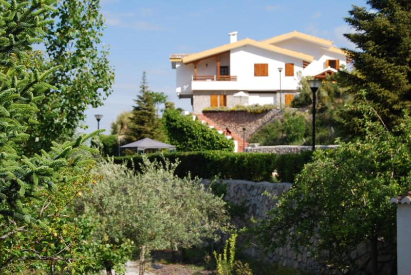 Beautiful villa to enjoy with family and friends - Image 1 - Province of Granada - rentals