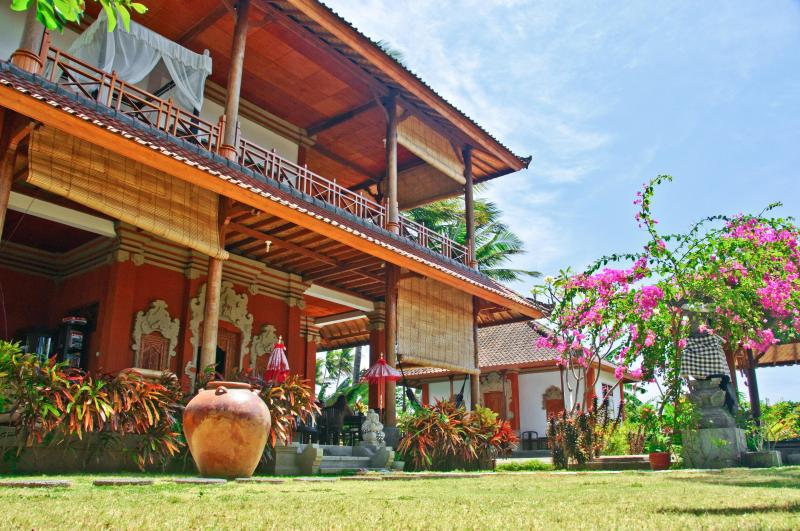 Mainhouse and Garden suite Villa Sinar Cinta - 4 bedroom Seaside Villa Sinar Cinta Amed Bali - Amed - rentals