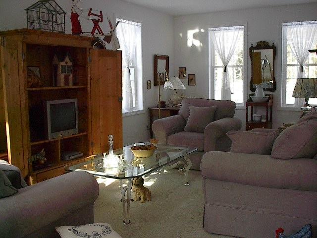 Sitting area/living room - GREAT Home, Rates, LOCATION, Walk to WATER - Bar Harbor - rentals