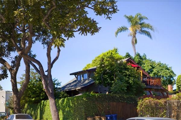 BABY DUX - Sweet Hideaway in the Heart of the Fun - Image 1 - Santa Barbara - rentals