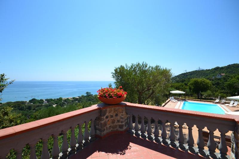 Sea view terrace - Private beach villa, sea view pool and parking - Villammare - rentals