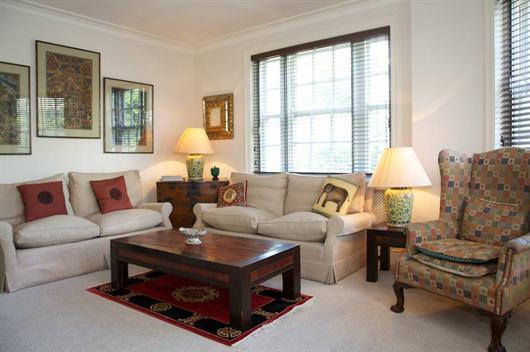 Ovington Court 3 Bedroom Vacation Rental - Image 1 - London - rentals