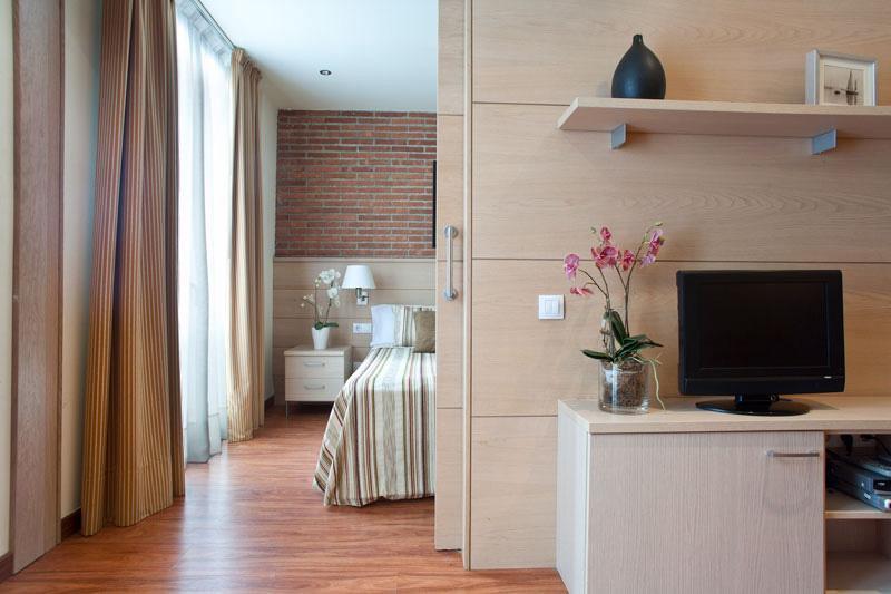 Serennia Arc de Triomf 2 bedroom - Image 1 - Barcelona - rentals