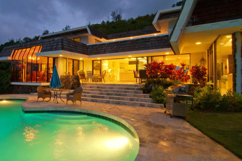 Enjoy our Enchanting Villa - The Kailua Ocean View Villa has Great Views, Pool, - Kaneohe - rentals