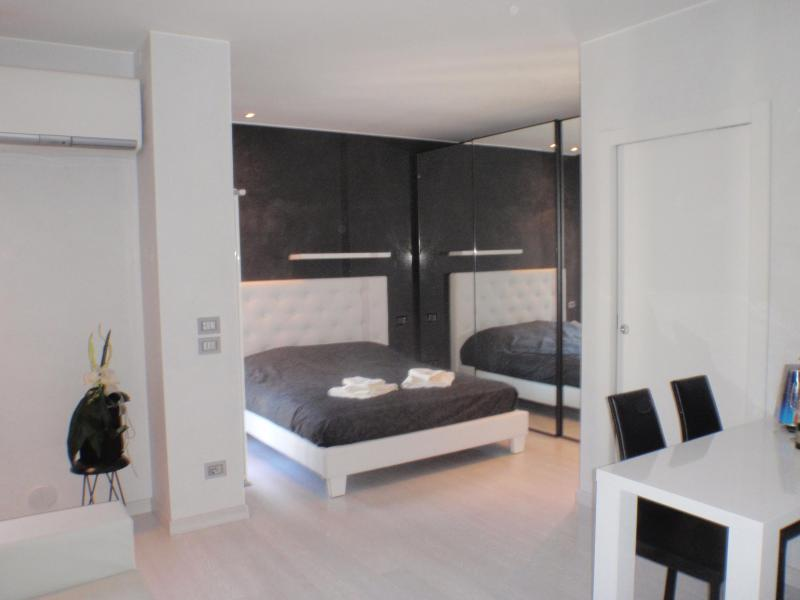 zona letto - GrattacieloSuite Modernity and Comfort in Verona - Verona - rentals