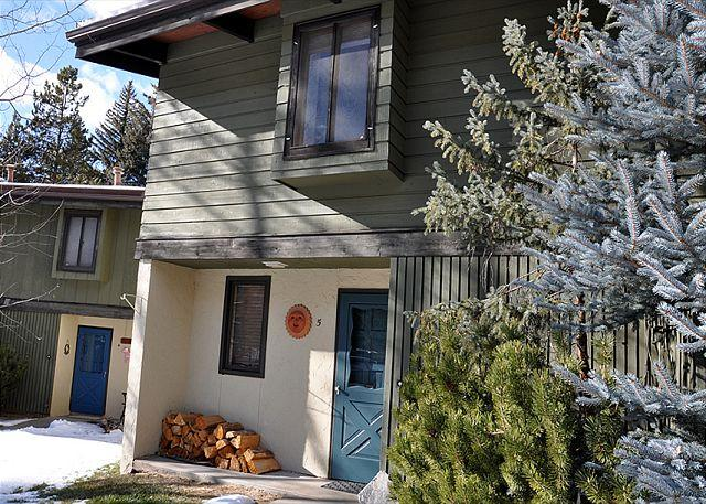 Front Entrance - Creek Side Townhome near Vail village; 3 bed + loft - Vail - rentals