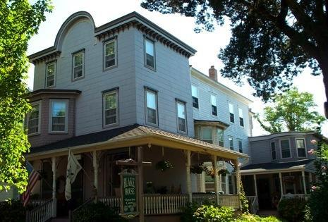 The Blake House - in the Heart of the Historic District - The Blake House Apts on Historic Hughes Street - Cape May - rentals