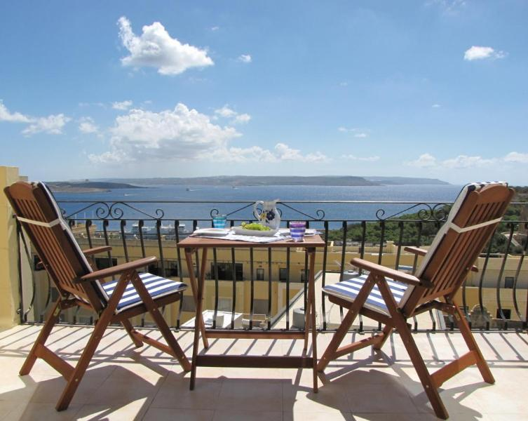 Relax and enjoy the spectacular sea view - Apartment with stunning ocean views and Pool - Ghajnsielem - rentals