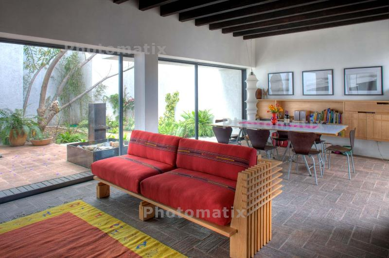 Living Room looking into Interior Garden and Dining Area - ARCHITECT'S HOUSE in Oaxaca City center - Oaxaca - rentals