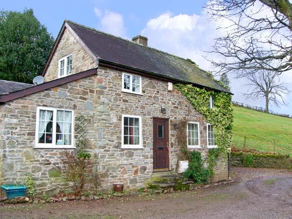 WERN TANGLAS COTTAGE, pet friendly, character holiday cottage, with a garden in Newcastle-On-Clun, Ref 12897 - Image 1 - Shropshire - rentals