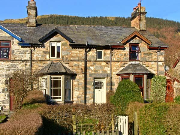 PENRHYN HOUSE, family friendly, country holiday cottage, with a garden in Cwm Penmachno, Ref 10320 - Image 1 - Cwm Penmachno - rentals