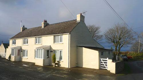 Pet Friendly Holiday Cottage - Rose Cottage, Square & Compass - Image 1 - Pembrokeshire - rentals